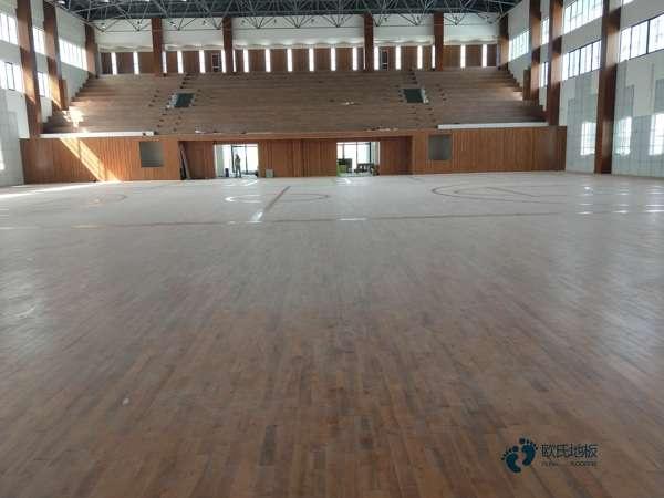 运动馆木地板大约多少钱