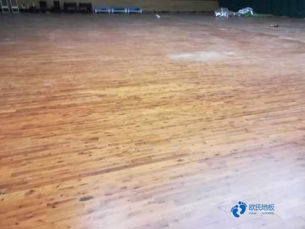 运动场地板选哪家