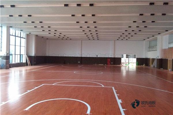 45度斜铺龙骨篮球木地板安装公司