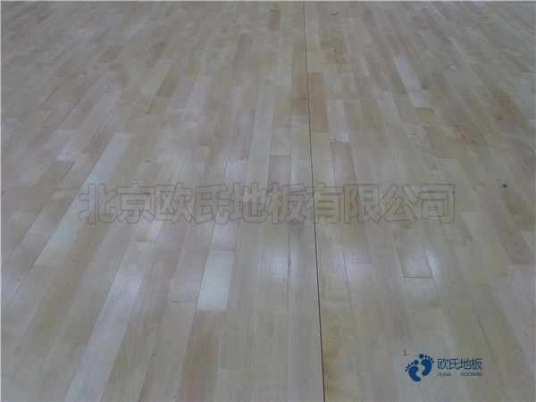 一般篮球场地地板施工团队