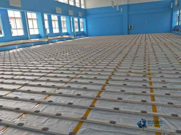 专用运动馆木地板施工队