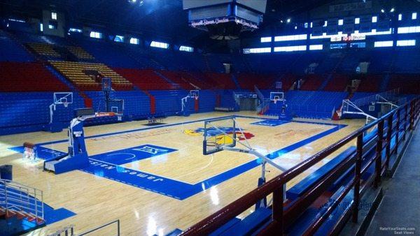 中等篮球地板施工
