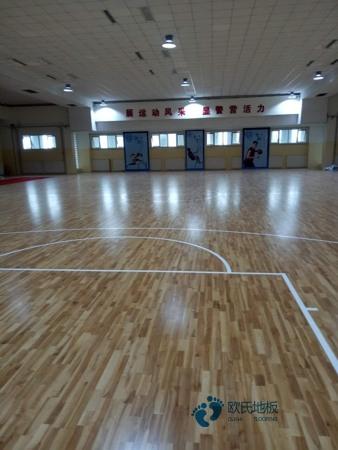 主辅龙骨篮球馆地板安装公司