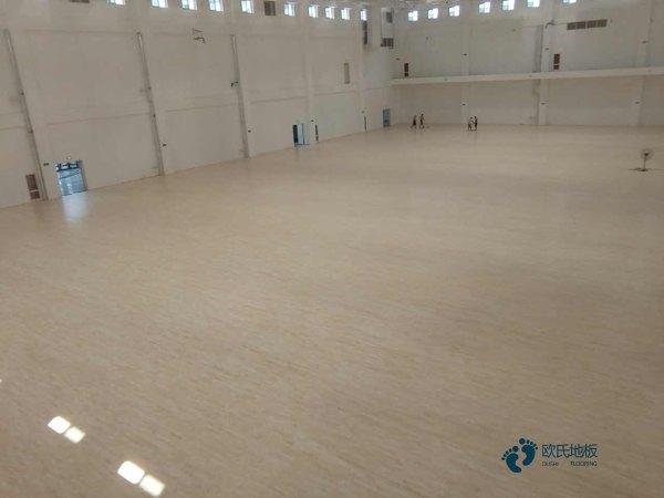 主辅龙骨运动篮球木地板安装公司