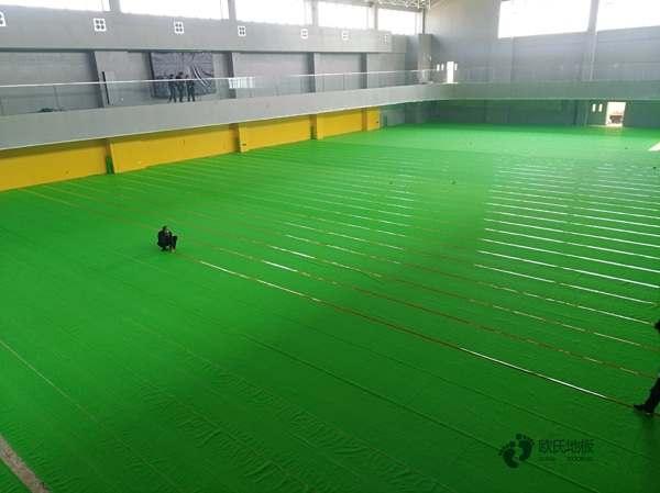 单层龙骨运动场木地板保养方法