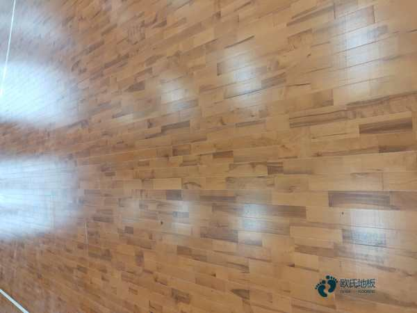 运动篮球地板哪个牌子比较好