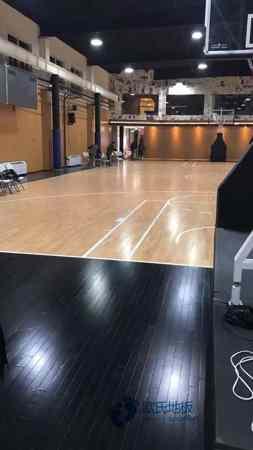 双层龙骨篮球地板保养
