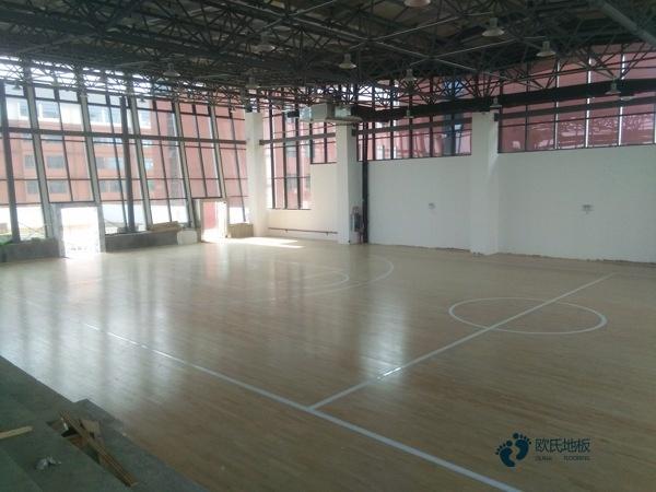 国产运动场地板安装公司