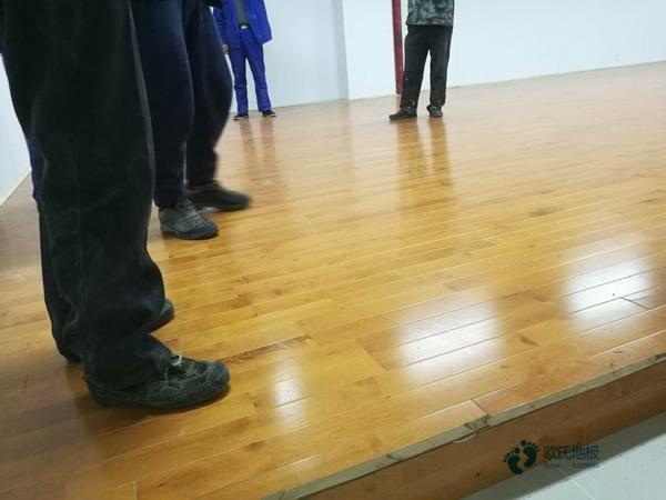 国产篮球馆木地板1