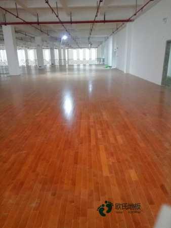 学校运动型木地板的性能